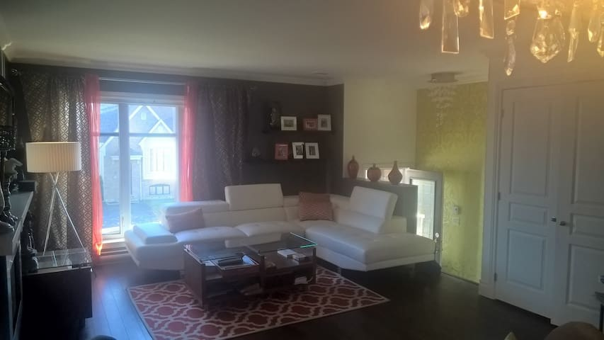 Warm & Cozy Condo at mini price ! - Ville de Québec - Leilighet
