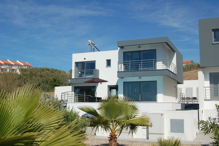 Modern villa with private pool just 400m from the sea