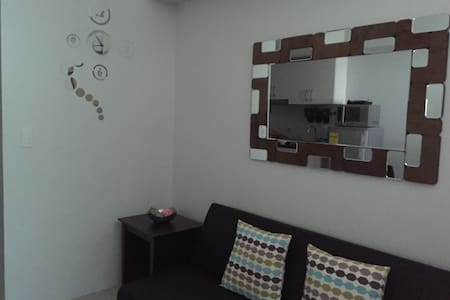 Cozy 1 Br Condo with WIFI in Makati - Lyxvåning