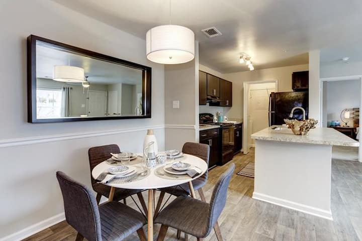 Everything you need | 2BR in Abingdon