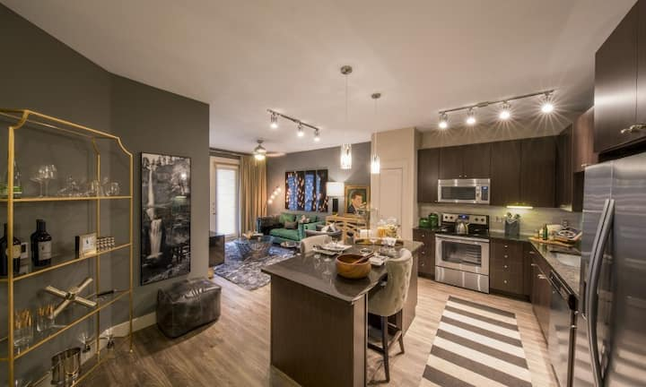 Live + Work + Stay + Easy | 2BR in Dallas
