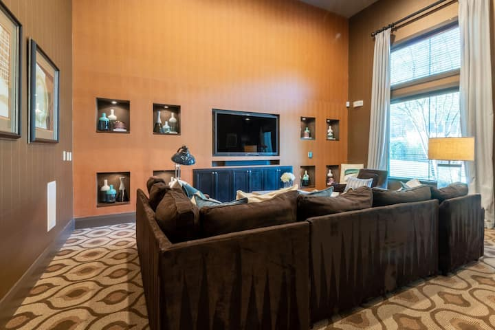 Upscale apartment home | 2BR in Durham