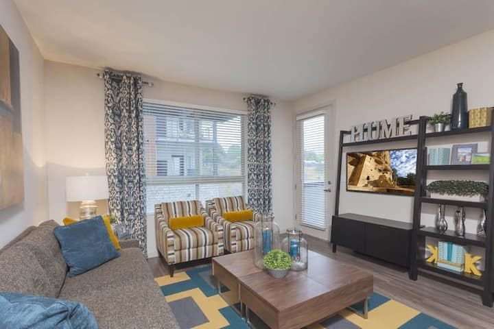 Stay as long as you want | 1BR in Golden