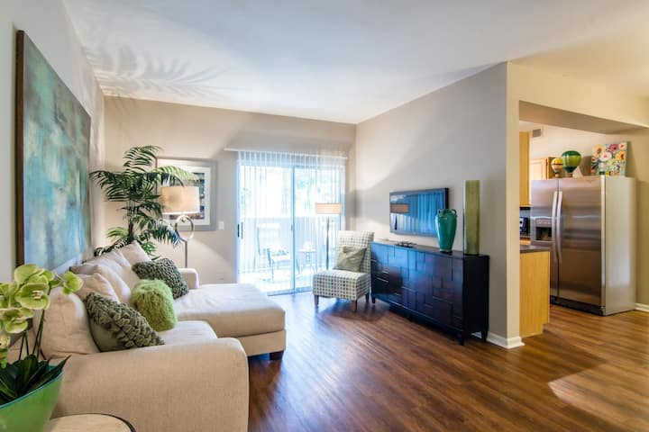 A place of your own | 2BR in Lenexa