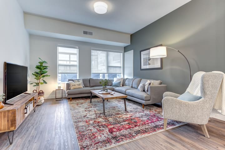 Entire apartment for you | 1BR in Elmhurst