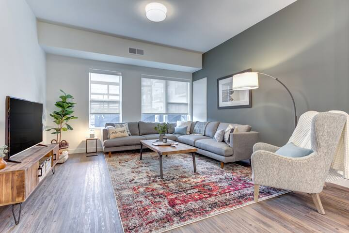 Entire apartment for you | 2BR in Elmhurst