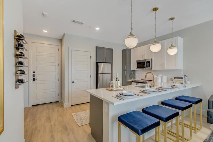 Modern Eclectic Apartment | 1 BR in Dallas