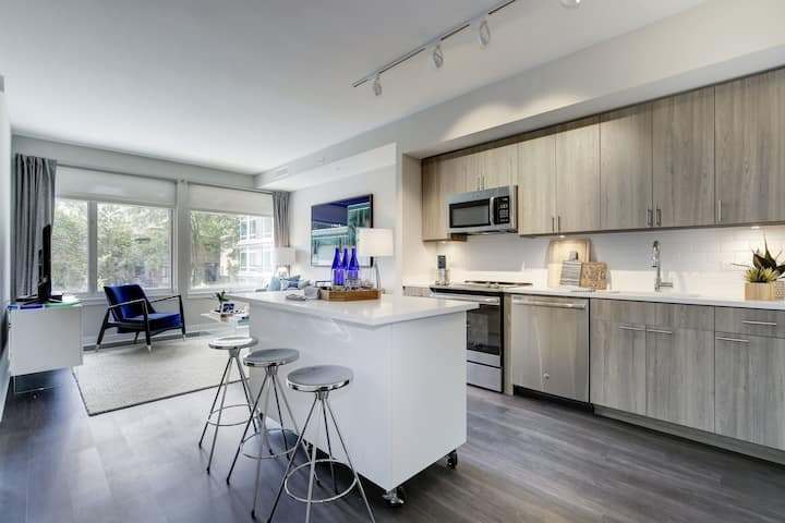 Stay in a place of your own | Studio in Washington