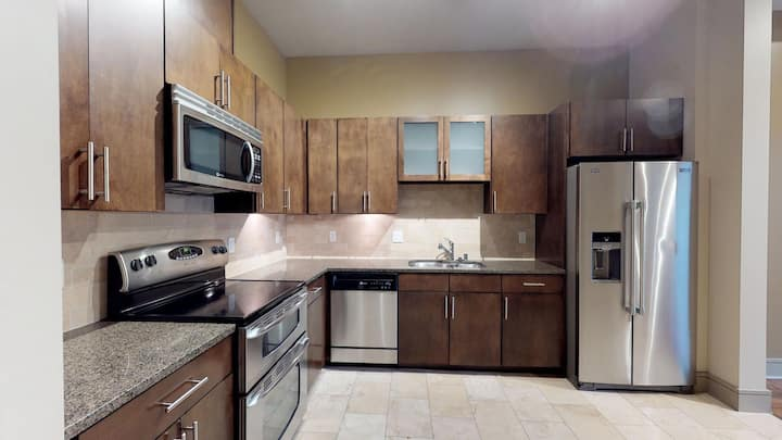 Escape to a place of your own | 1BR in Seattle