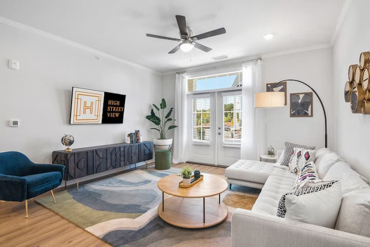 A place of your own | 1BR in Williamsburg
