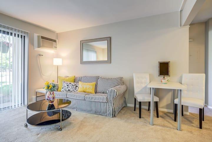 Clean, comfortable apt | 1BR in Glendale Heights