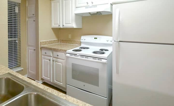 Comfortable place to call home | 1BR in Plano