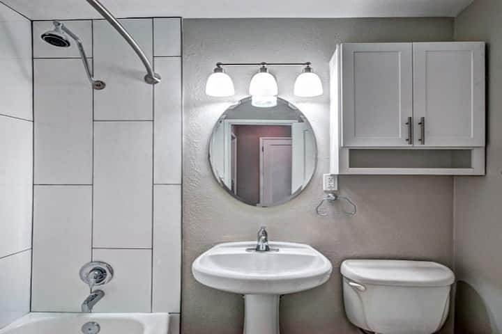 Professionally maintained apt | Studio in Seattle
