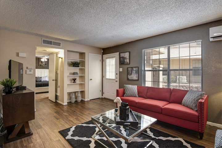 Live + Work + Stay + Easy | 2BR in El Paso