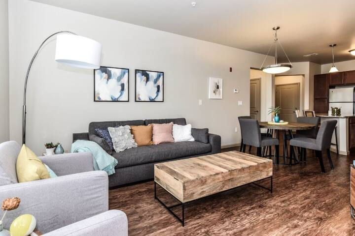 Brilliant apartment home | 2BR in St Charles