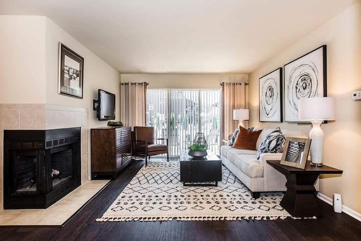 Live + Work + Stay + Easy | 1BR in Lisle