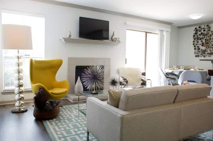 Everything you need | 2BR in The Woodlands