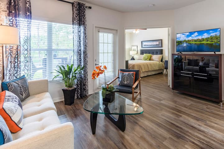A place of your own | 2BR in Palm Beach Gardens