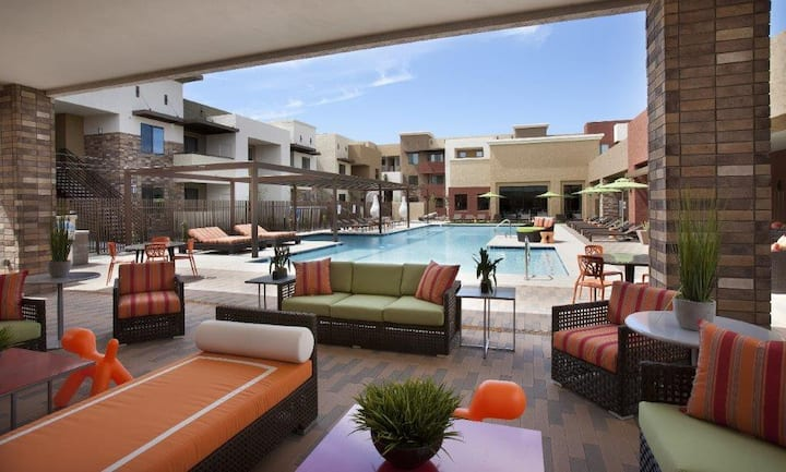 1BR oasis w/ pool, gym and more in Chandler