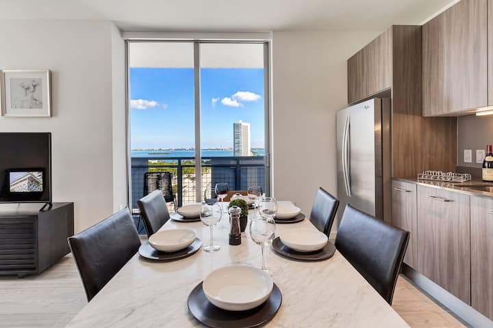 Move in with just your suitcase | 2BR in Miami