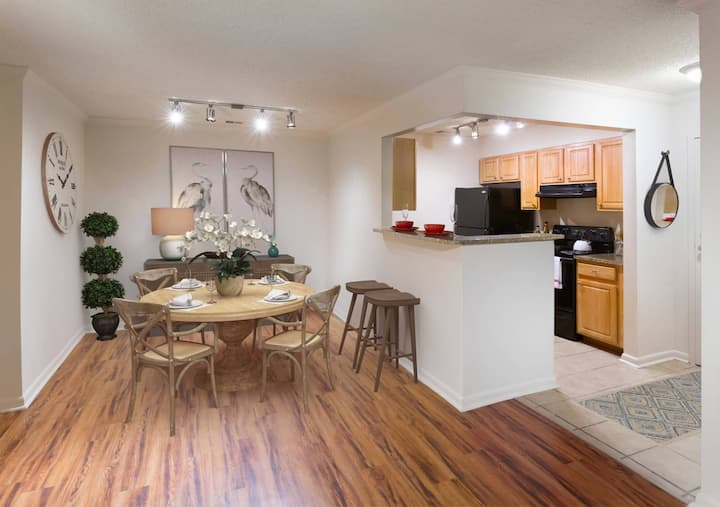Clean home | 1BR in Aspen Hill