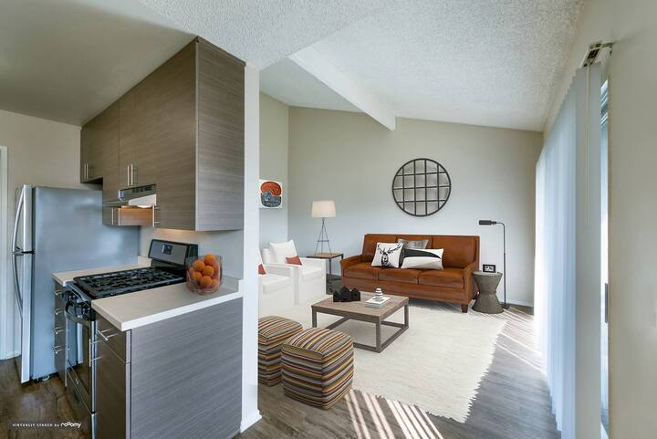 Well-equipped apt home   1BR in Huntington Beach
