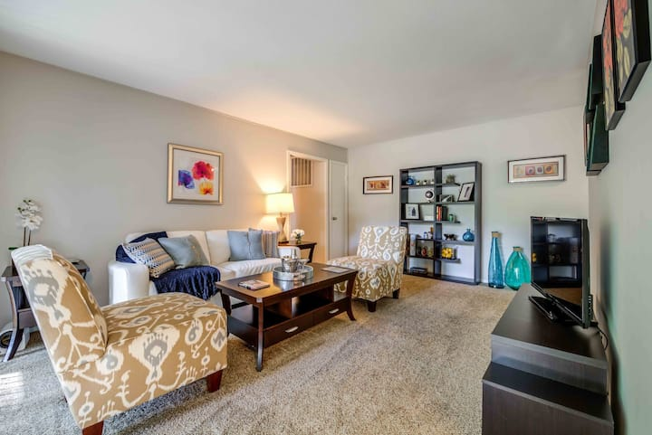 All-inclusive apartment home | 3BR in Indianapolis