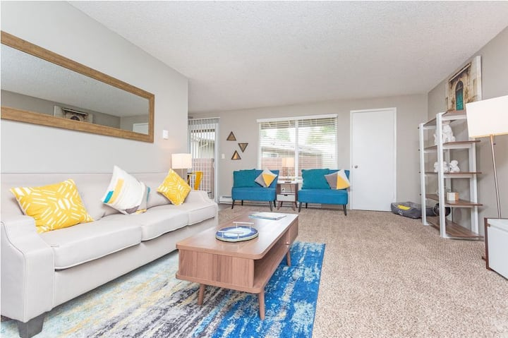Relax in your own apt   3BR in Federal Way