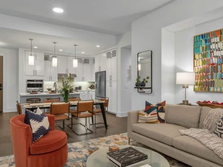 Upscale apartment home | 1BR in Denver