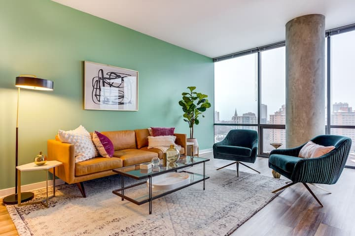 Flexible living at its finest | 2BR in Chicago