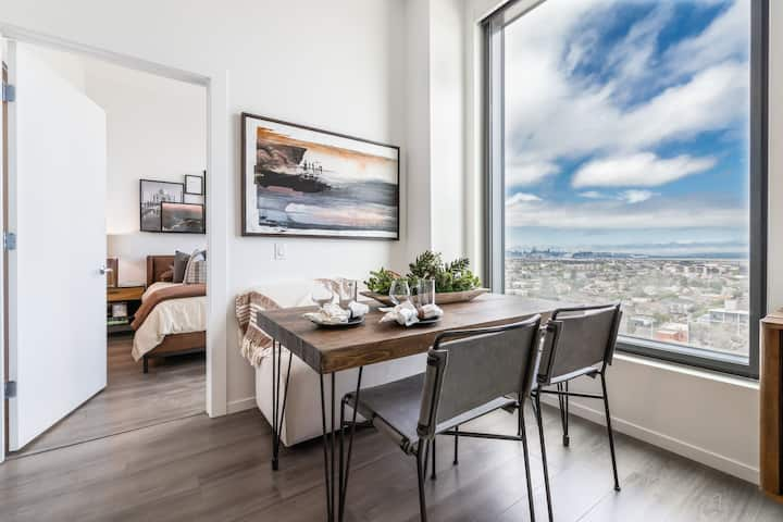 Your home away from home | 2BR in Oakland