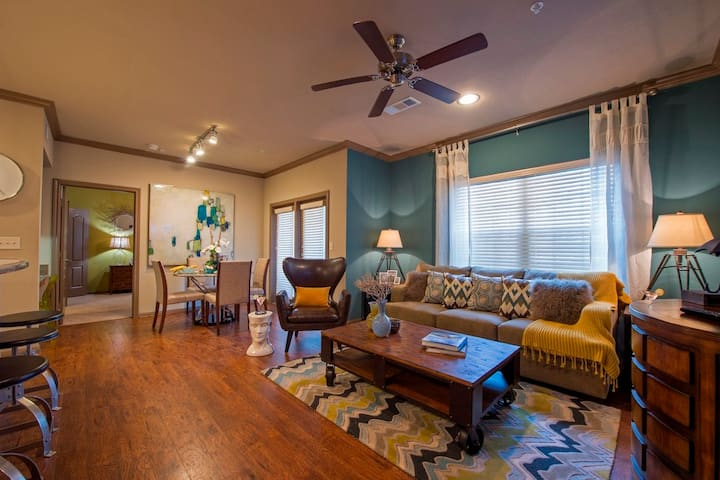 Professionally maintained apt | 1BR in Katy
