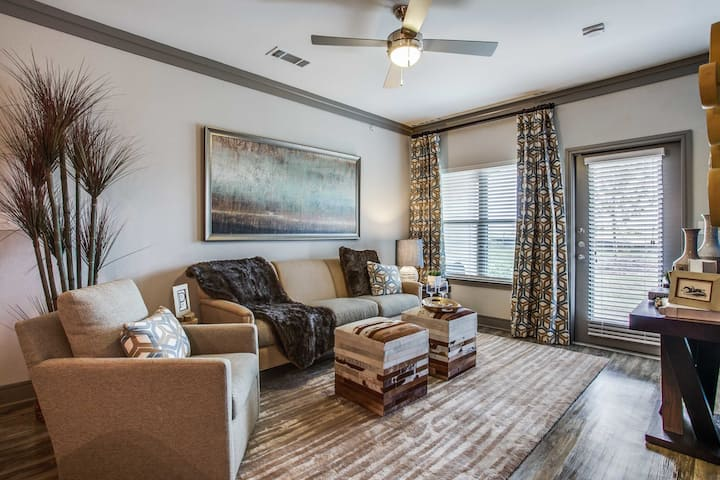Live + Work + Stay + Easy | 1BR in McKinney