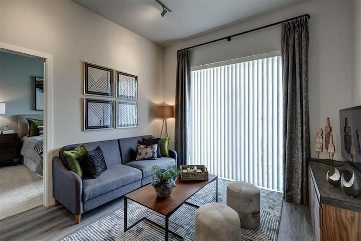 A place of your own   1BR in Des Plaines