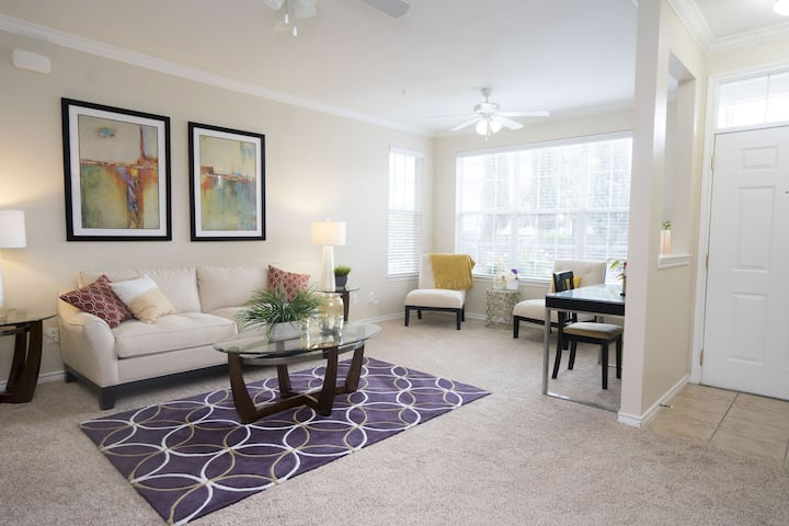 Relax in your home away from home | 3 BR in Houston