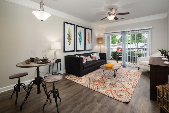 Live + Work + Stay | 2 BR in Mooresville