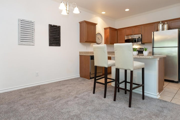 Live + Work + Relax | 2 BR in San Antonio