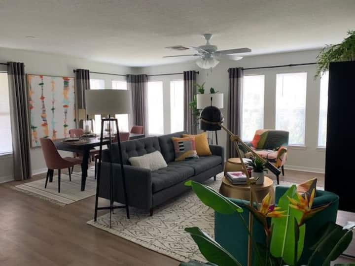 Well-kept apartment home | 3BR in Orlando