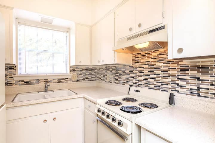Relax in an apt of your own | 2 BR in San Antonio