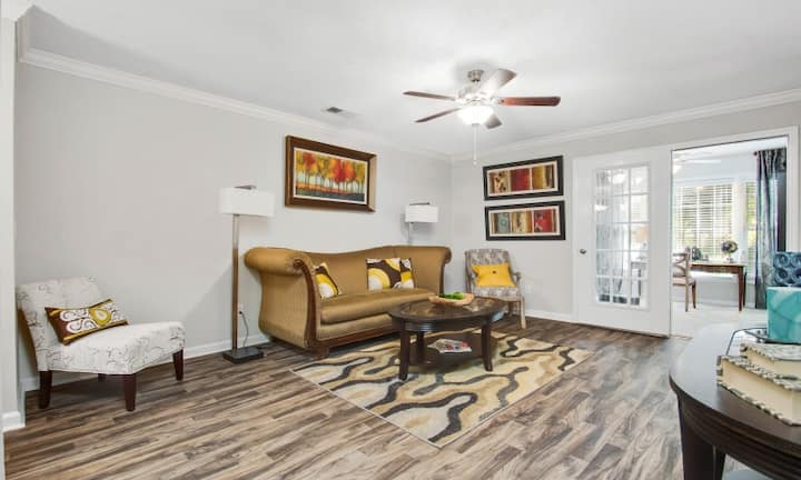 Live + Work + Stay | 3 BR in Charlotte