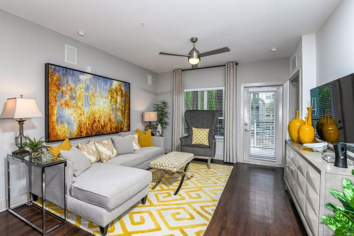 Homey place just for you | 2BR in Orlando