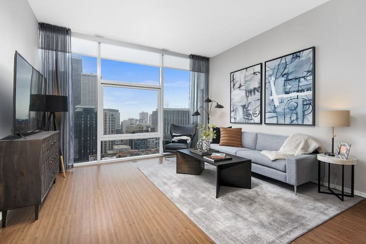 Live + Work + Stay + Easy | 2BR in Chicago
