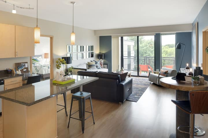 Live + Work + Stay + Easy   2BR in Minneapolis