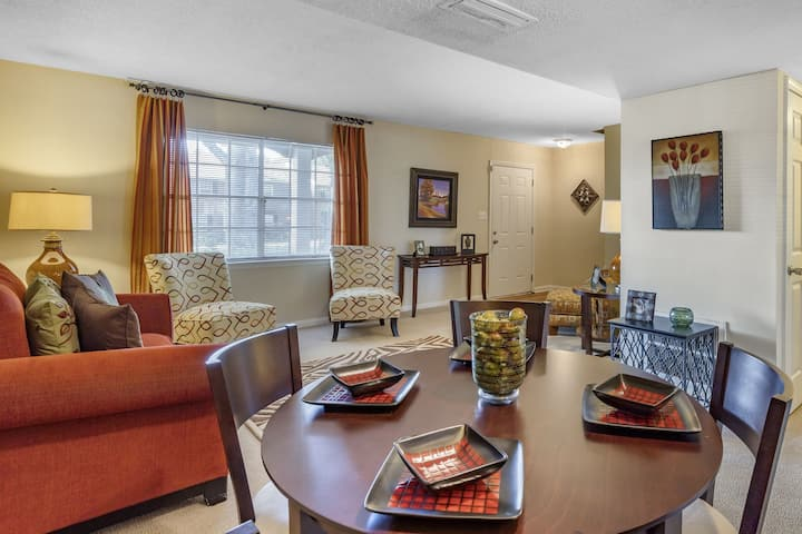 Flexible living at its finest | 2BR in Charlotte