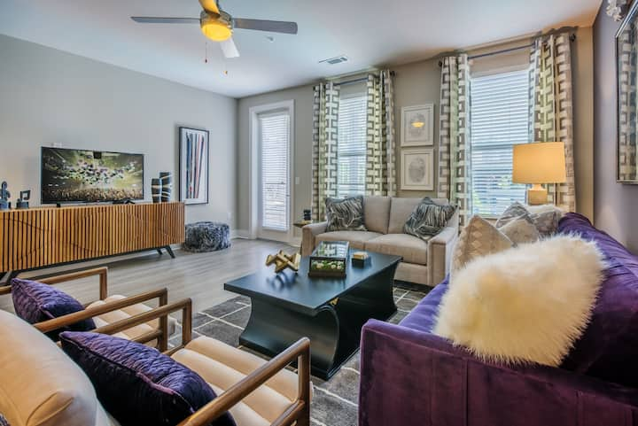 Your unique home away from home | 1 BR in Charlotte
