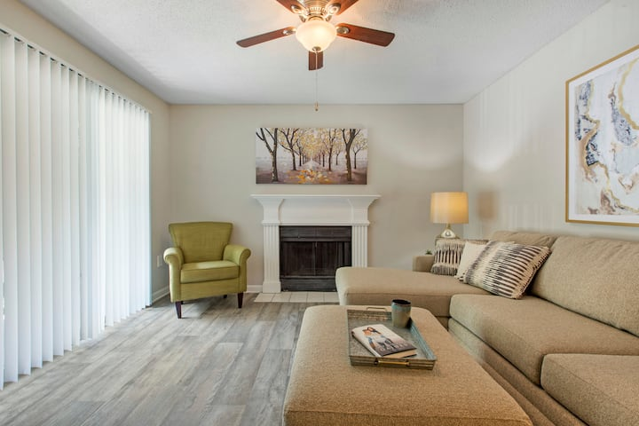 Stay in a place of your own | 2BR in Carrboro