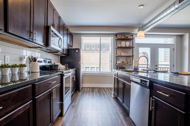 Upscale 1BR Apt w/ hotel-like amenities in Indy