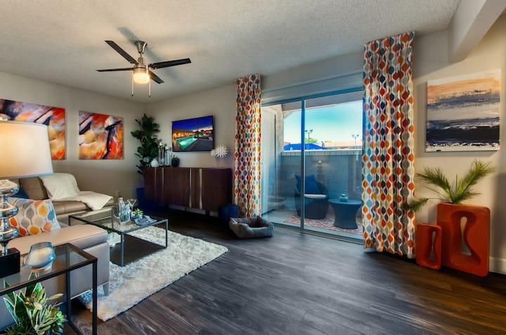 2BR oasis w/ hotel-like amenities in Scottsdale