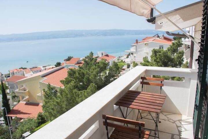 Sea view apartment in Duće near Omiš
