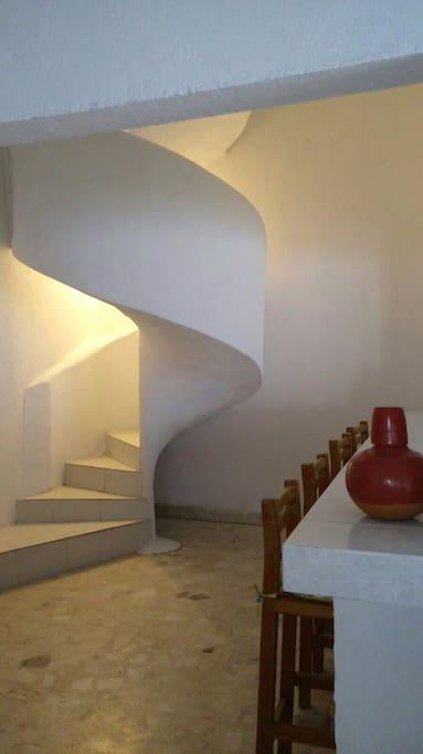 Escaleras al mezanine